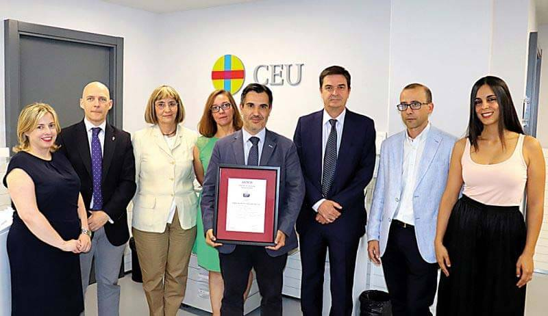 El CEU recibe el certificado de Empresa Saludable ceu empresa saludable instituto europeo European Institute for Health and Social Welfare ceu empresa saludable