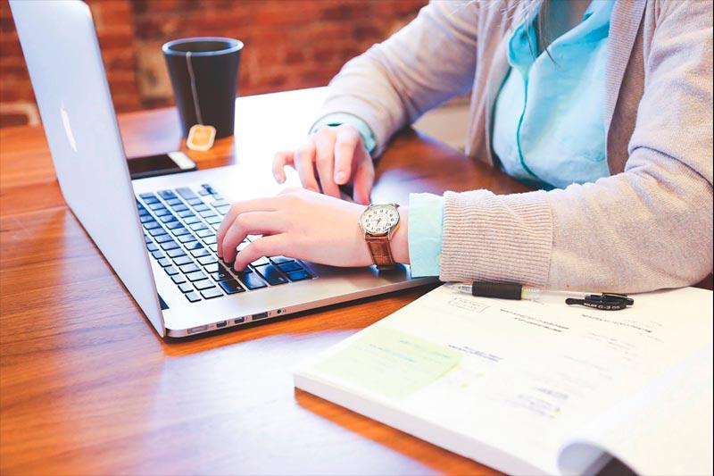 Estudiar online estudiar online 7 razones por las que deberías estudiar online estudiaronline  Master in Medical-Surgical Care estudiaronline