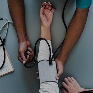 Master-Titulo-Propio-en-Direccion-y-Gestion-de-Servicios-de-Salud.jpg