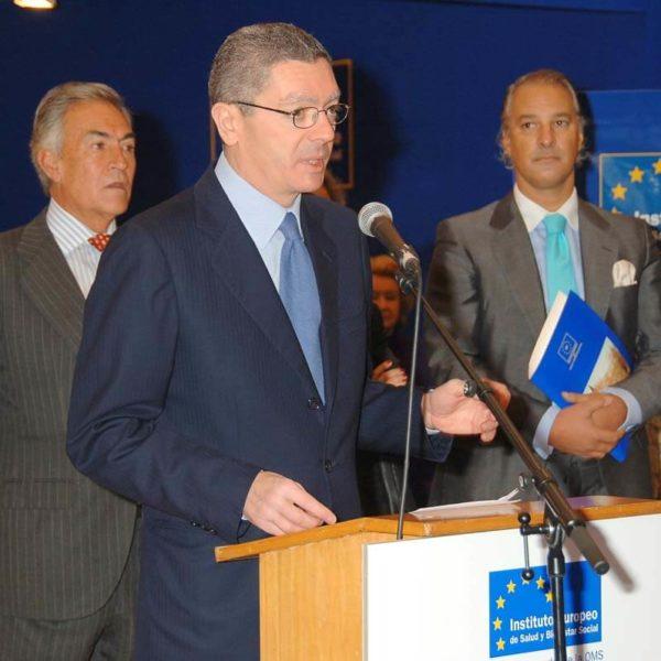 Excelencia Sanitaria - Instituto Europeo de Salud y Bienestar Social - Manuel de la Peña